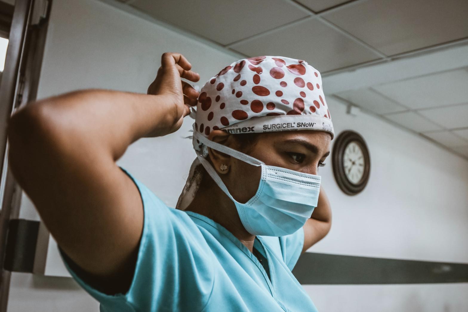 Linha de frente: a saúde mental de médicos e enfermeiros que combatem a Covid-19